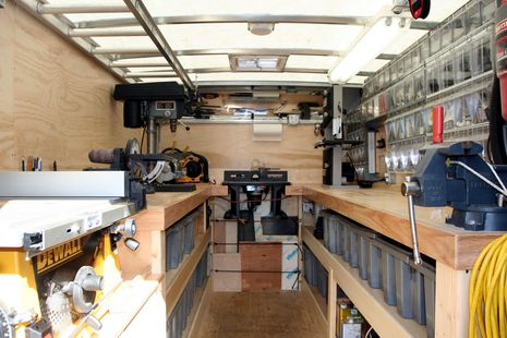 Voyager_Marine_Electronics_install_truck_cPanbo.JPG