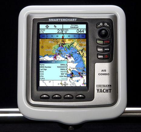 Digital_Yacht_SmarterChart_AIS_and_Marine_Pod-lr.JPG