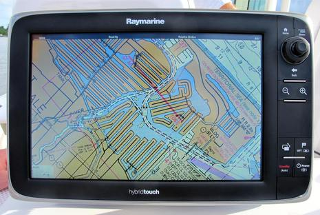 Raymarine_LightHouse_II_w_NOAA_raster_chart_cPanbo.jpg