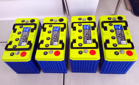 Gizmo's new Firefly battery bank, working out the details - Panbo
